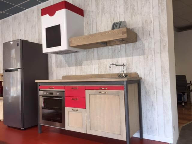 https://www.mobiliacolori.it/wp-content/uploads/2018/08/cucina-country-modulare.jpg